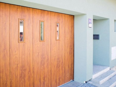 posuvná vrata lamela, imitace dřeva zlatý dub